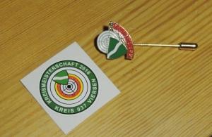Kreismeister-Nadel und Plakette